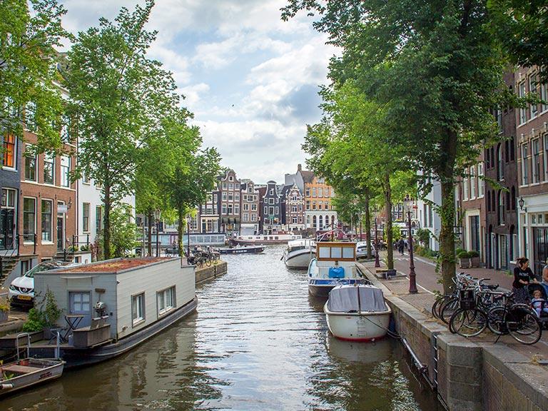 Fahrradtour im Stadtteil Anne Frank